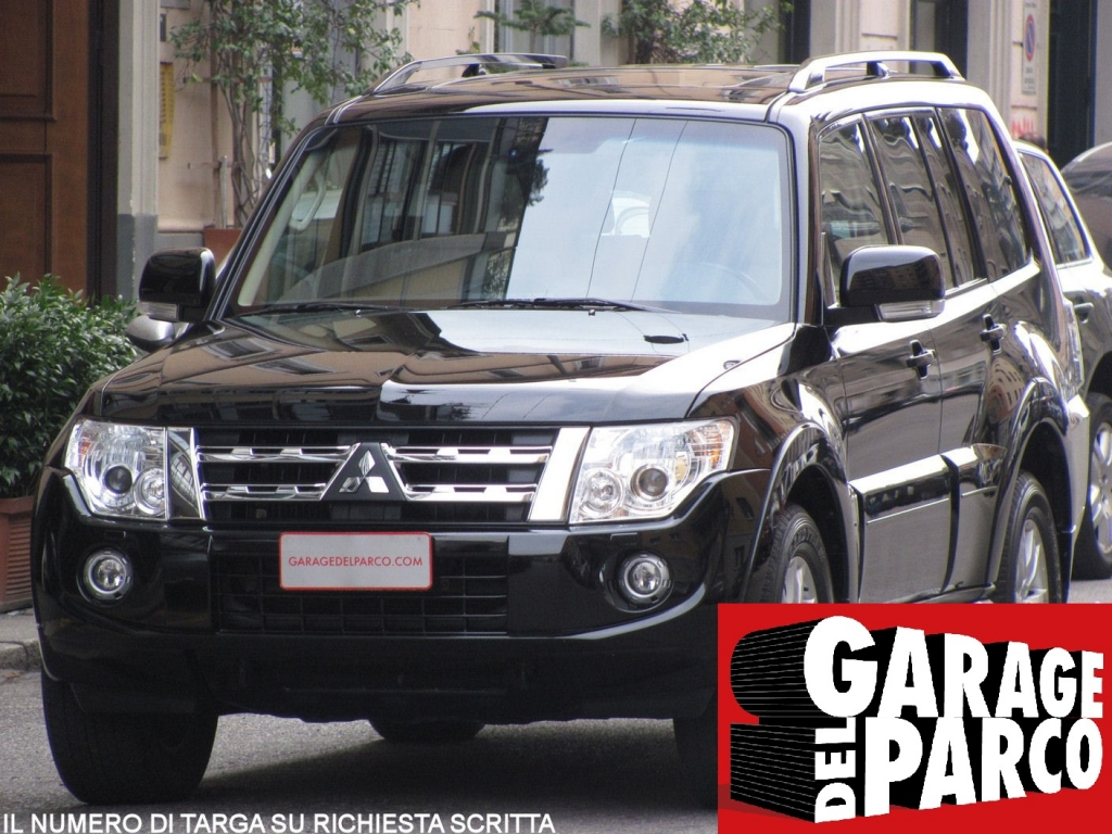 Mitsubishi pajero 3 2 di d 16v instyle wagon 7 posti for Garage allo service auto sonnaz