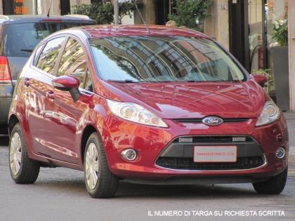 Ford fiesta 1 4 16v titanium gpl 5 porte unico for Porte a libro usate