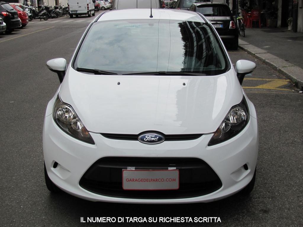 Ford fiesta 1 2 16v plus 5 porte unico proprietario libro for Porte a libro usate