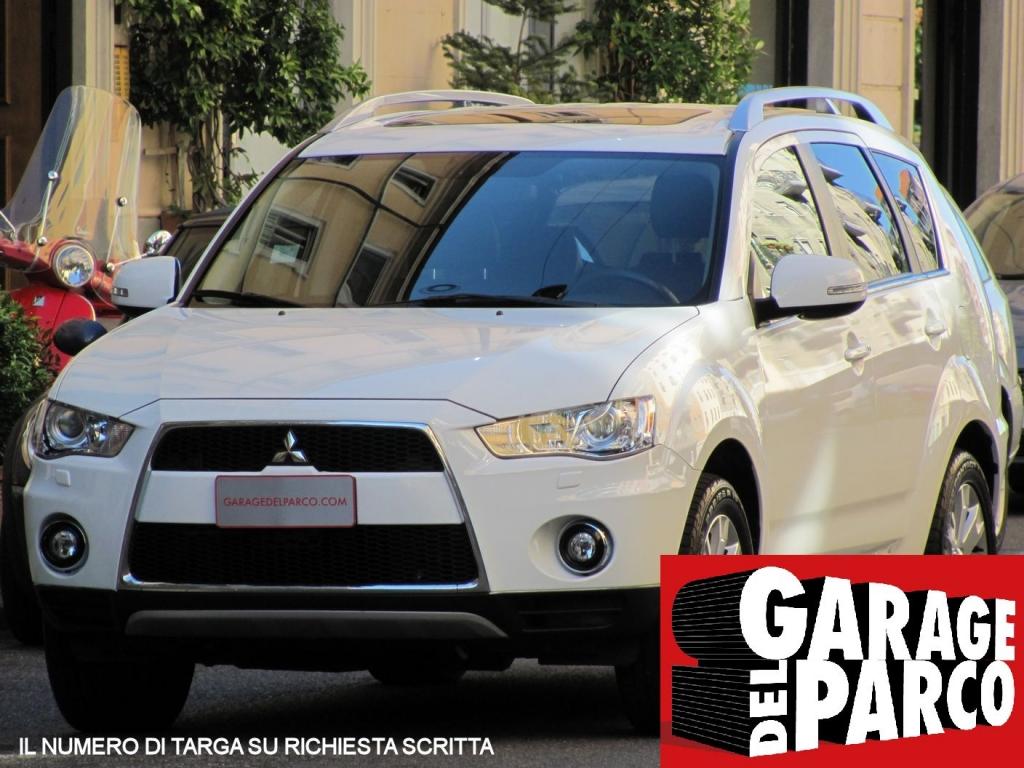 Mitsubishi outlander 2 2 di d instyle tc sst 7 posti for Garage allo service auto sonnaz