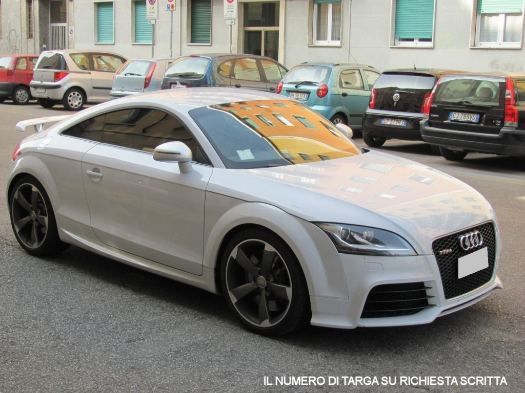 Audi it usato idea di immagine auto for Quattro piani di garage per auto