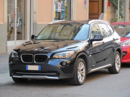 Bmw x1 xdrive20d futura automatica unico proprietario iva for Prezzo del garage 16x20