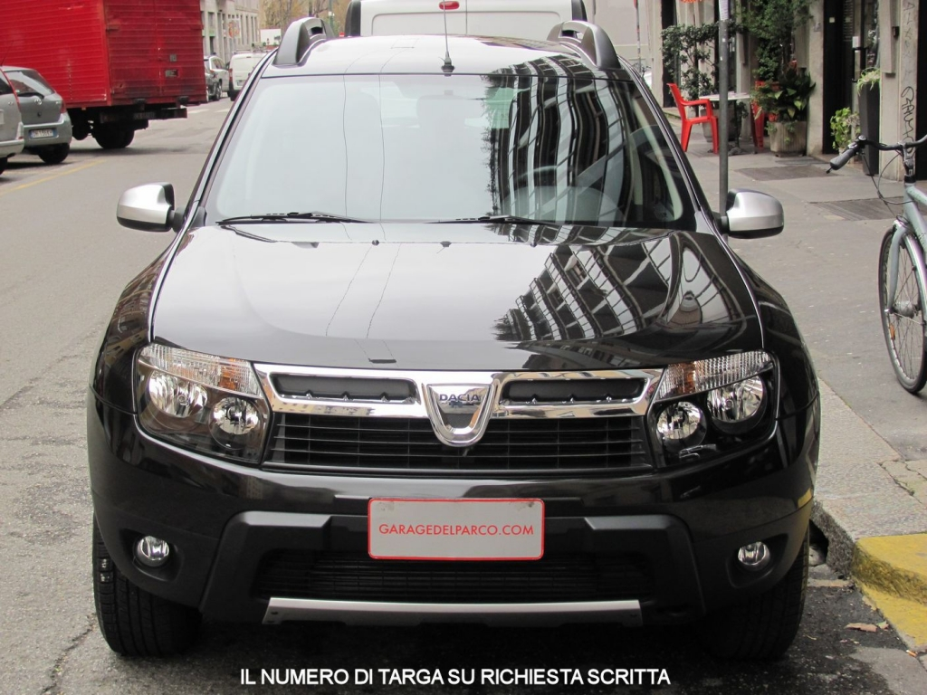 dacia duster 1 5 dci 4x2 laureate pack look unico proprietario libro service e fatture. Black Bedroom Furniture Sets. Home Design Ideas